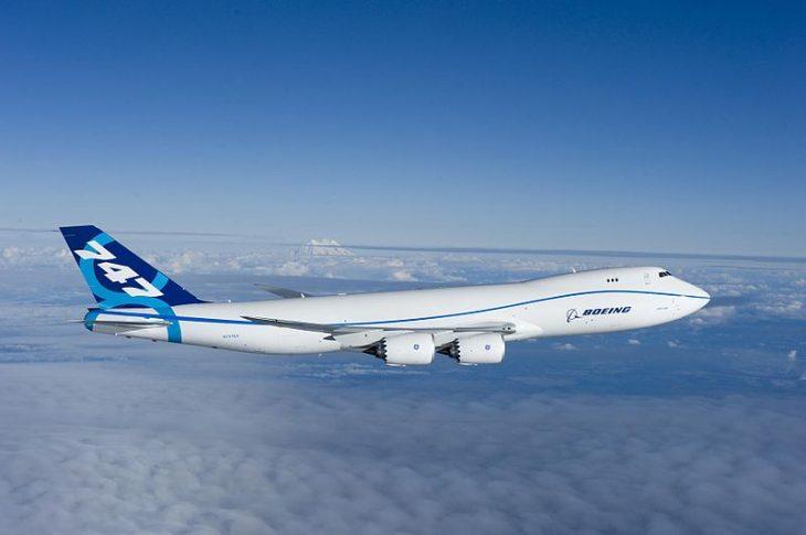 800px-Boeing_747-8_first_flight_Everett_WA