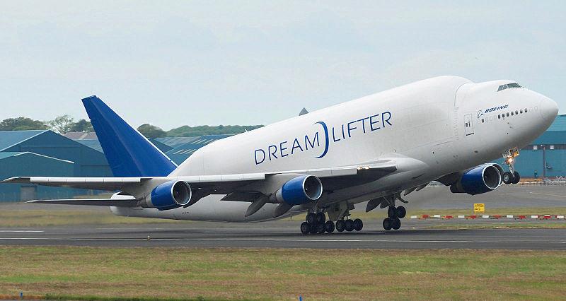 800px-Boeing 747-400LCF Dreamlifter