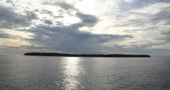 800px-Swains Island 1