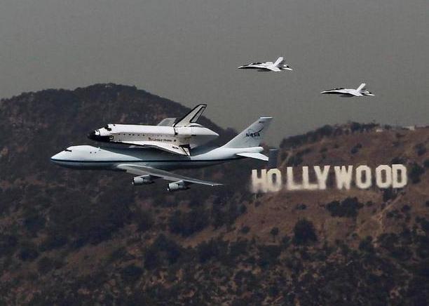 Shuttle Hollywood